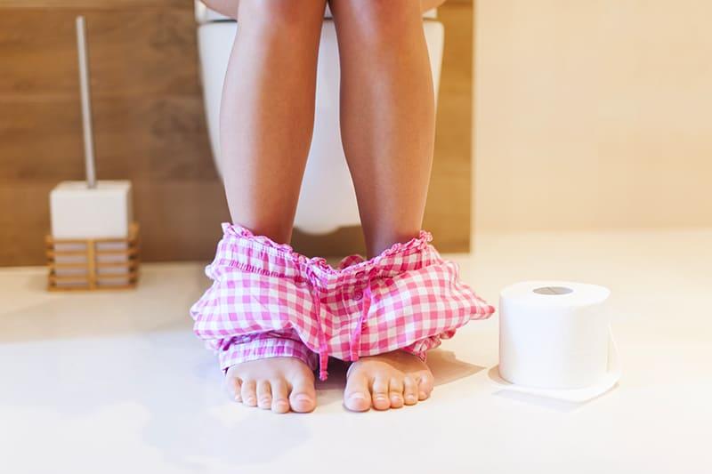 Diarrhée-symptômes-causes-traitements